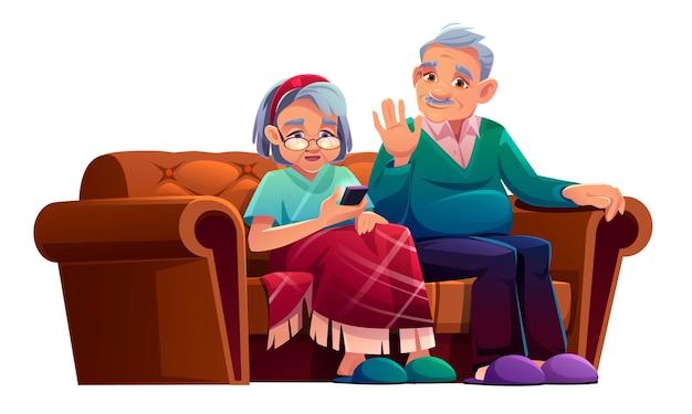 De hogere man en de vrouw die door mobiele telefoon spreken zitten op laag in verpleeghuis. de oude dame die in plaid wordt verpakt en oude grijze haired gepensioneerde ontspant op smartphone van het bankgebruik voor praatje, beeldverhaalillustratie Gratis Vector