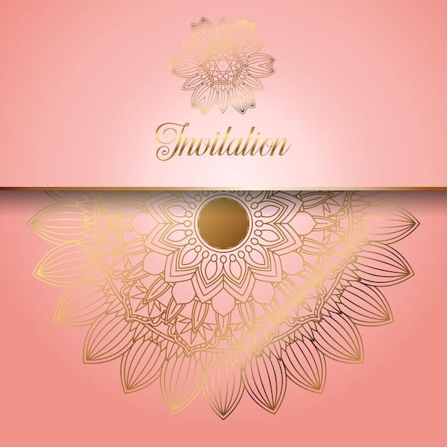 Decoratief roze met gouden ornamentenuitnodiging Gratis Vector