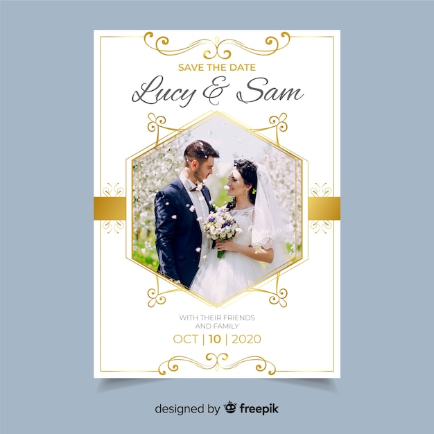 Decoratieve bruiloft uitnodiging sjabloon met foto Gratis Vector