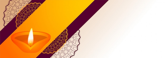 Decoratieve diwali festival diya met tekst ruimtebanner Gratis Vector