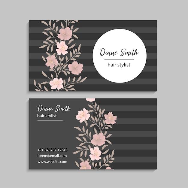 Donker visitekaartje met mooie bloemen Gratis Vector