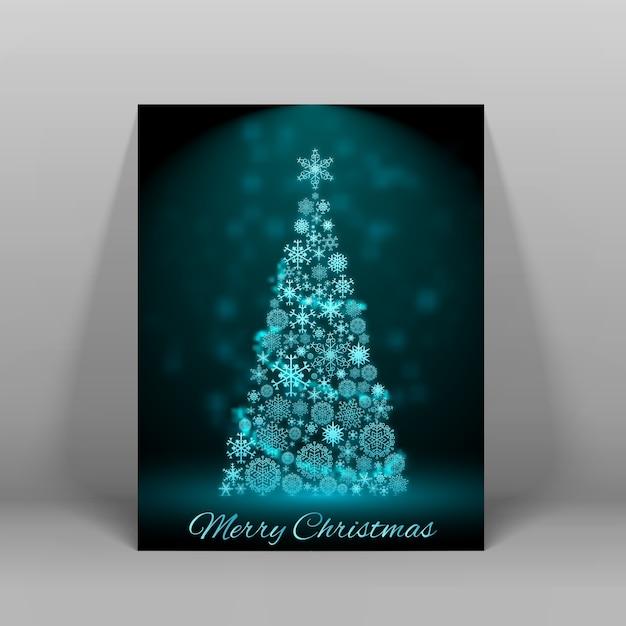 Donkere merry christmas ansichtkaart met grote versierde dennenboom in blauw licht vlakke afbeelding Gratis Vector