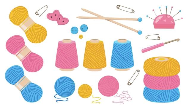 Draden voor het naaien van platte illustratie set. cartoon katoen of wol garen spoel voor het breien van geïsoleerde vector illustratie collectie. stoffen touwen en handwerkconcept Gratis Vector