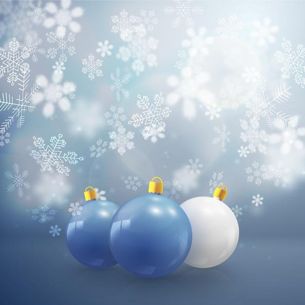 Drie kerstballen en sneeuwvlokken van verschillende vorm platte vectorillustratie Gratis Vector