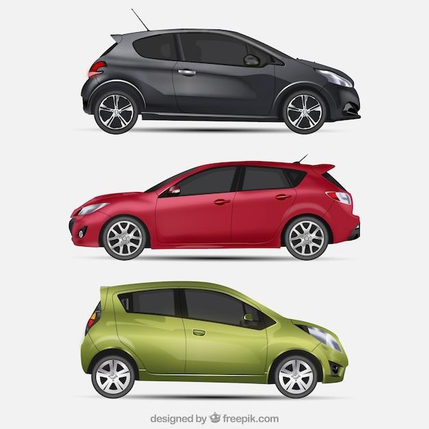 Drie moderne auto's in realistische stijl Gratis Vector