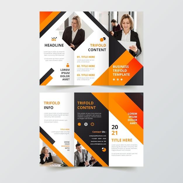 Driebladige brochure sjabloonontwerp Gratis Vector