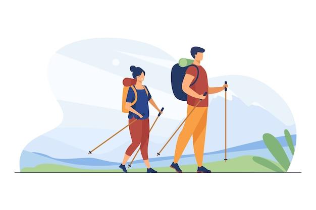 Echtpaar met rugzakken buiten lopen. toeristen met noordse stokken wandelen in de bergen platte vectorillustratie. vakantie, reizen, trekking concept Gratis Vector