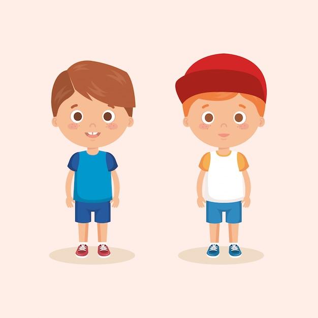 Een paar kleine jongensfiguren Gratis Vector