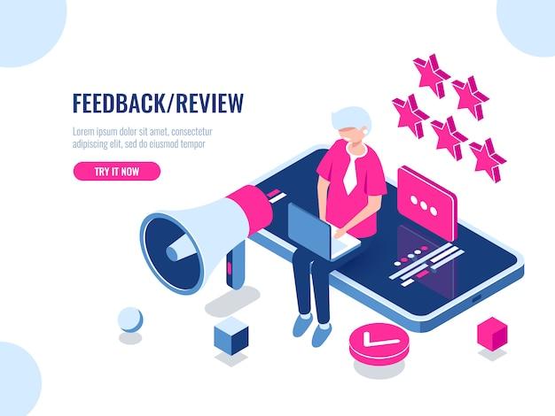 Een persoon laat een beoordeling achter van het bedrijf met behulp van een mobiele applicatie op een smartphone Gratis Vector