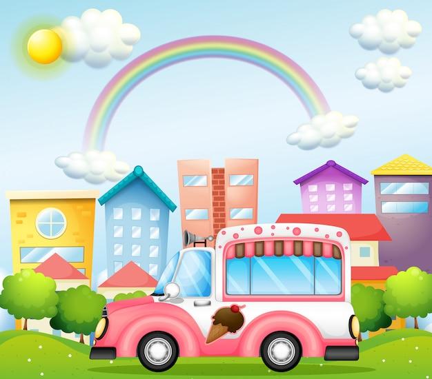Een roze ijsjesbus in de stad Premium Vector