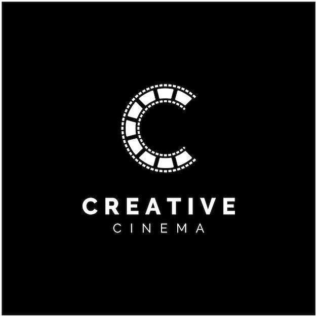 Eerste letter c met filmstripes voor filmproductielogo Premium Vector