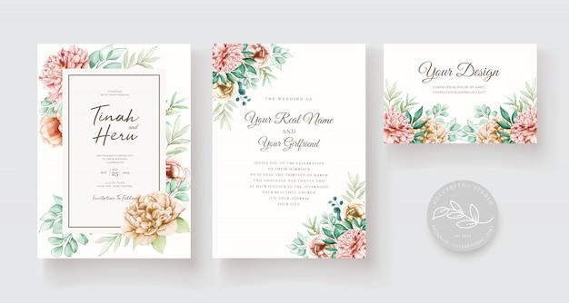 Elegante bloemen bruiloft uitnodiging kaartenset Gratis Vector