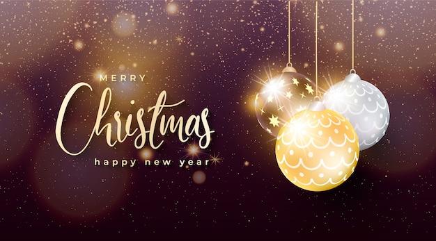 Elegante chritsmas achtergrond met gouden en zilveren kerstballen Gratis Vector