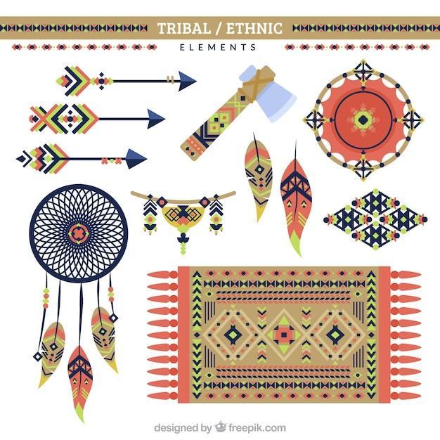 Etnische sieraden en objecten in plat design Gratis Vector