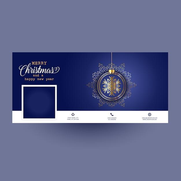 Facebook-omslag met kerstbalontwerp Gratis Vector