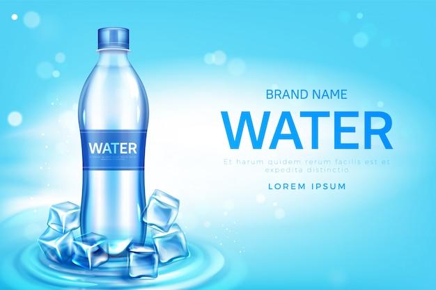 Fles mineraalwater met promo ijsblokjes Gratis Vector