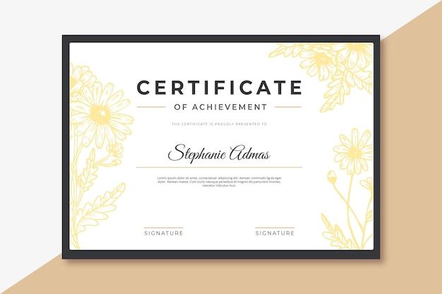 Floral certificaat sjabloonontwerp Gratis Vector