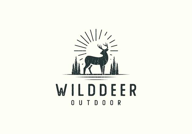 Forest deer adventure-embleemillustratie Premium Vector