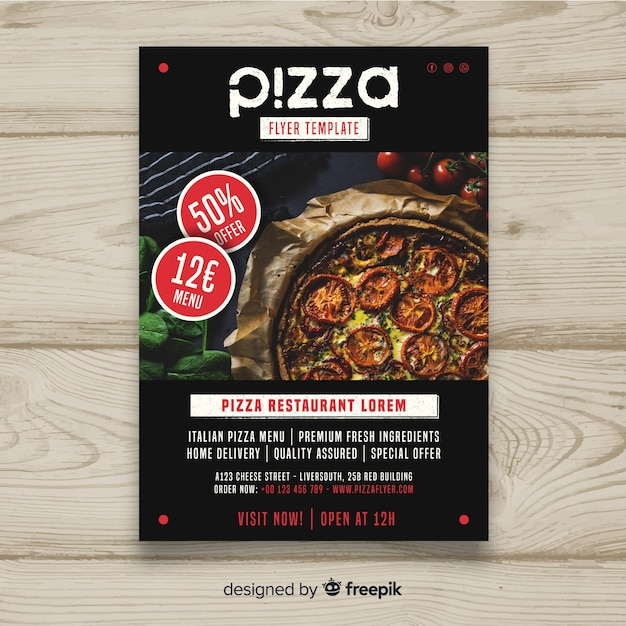 Fotografische pizzabrochure Gratis Vector