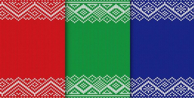 Gebreide kerst achtergrond. set van drie kleuren naadloze geometrische sieraad. Premium Vector