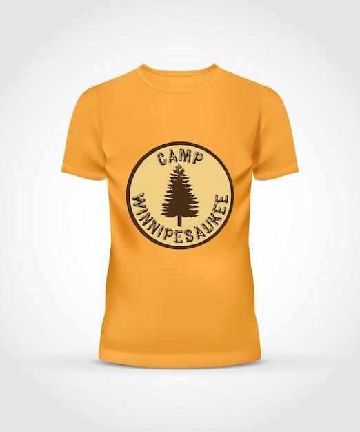 Geel t-shirt kamp ontwerp Gratis Vector