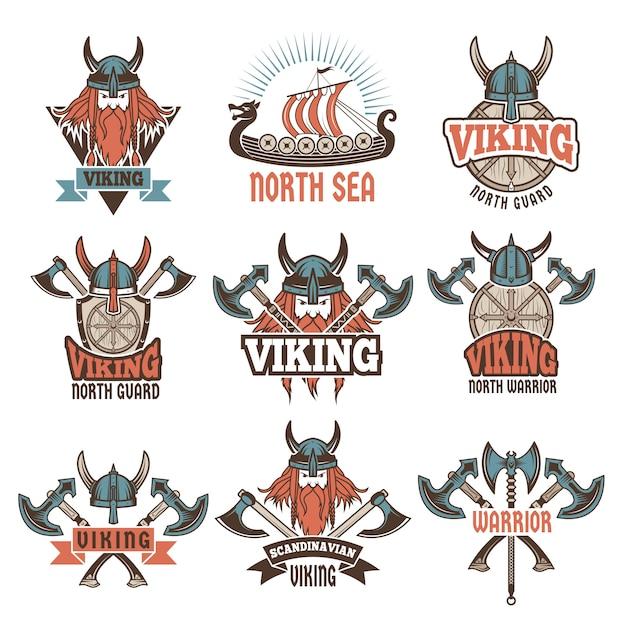 Gekleurde etiketten die met middeleeuwse barbaarse strijders worden geplaatst Premium Vector