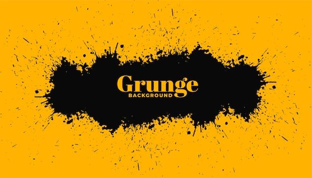 Gele achtergrond met zwarte grunge splatter Gratis Vector