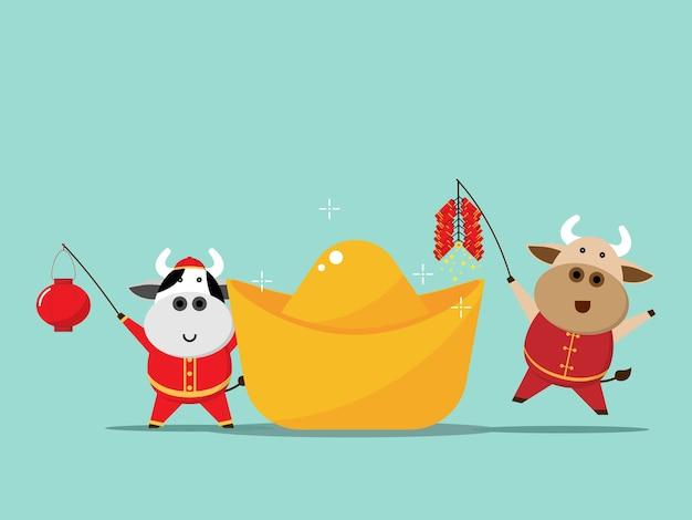 Gelukkig chinees nieuwjaar, jaar van de holdingslantaarn van de os leuke koe en vuurcracker met porseleingoud Premium Vector