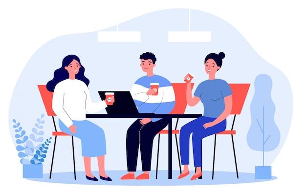 Gelukkige jongeren die samen koffie drinken tijdens de lunch Premium Vector