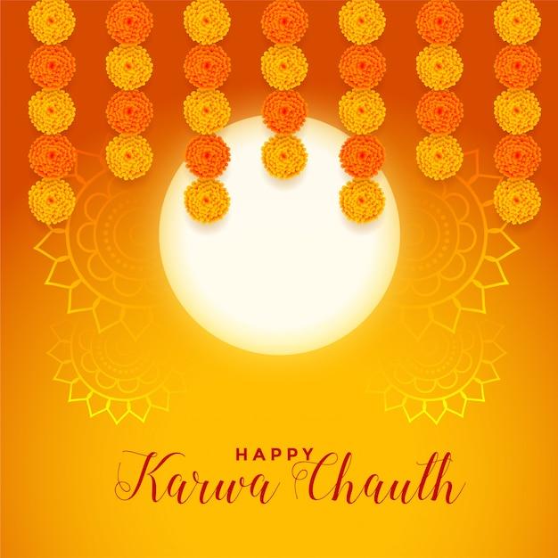 Gelukkige karwa chauth festivalkaart met volle maan en goudsbloembloem Gratis Vector