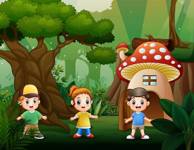 Gelukkige kinderen spelen in het park Premium Vector