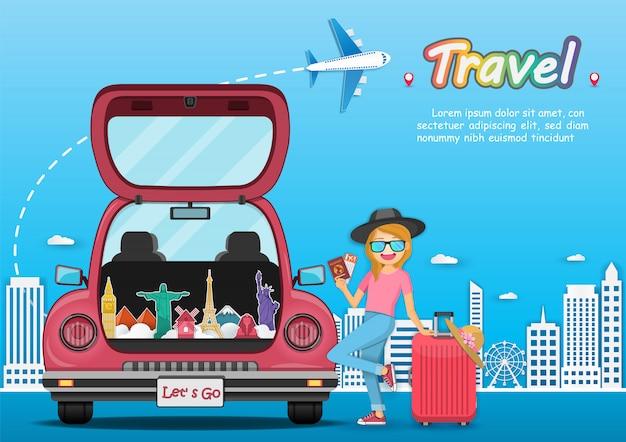 Gelukkige reizigersvrouw op de rode bagage van de boomstamauto met controle in puntreis rond de wereld. Premium Vector