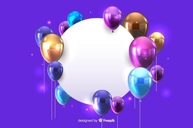 Glanzende ballonnen met lege banner 3d effect op blauwe achtergrond Gratis Vector