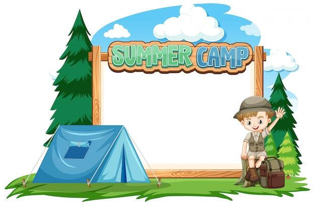 Grens sjabloonontwerp met jongen op zomerkamp Gratis Vector