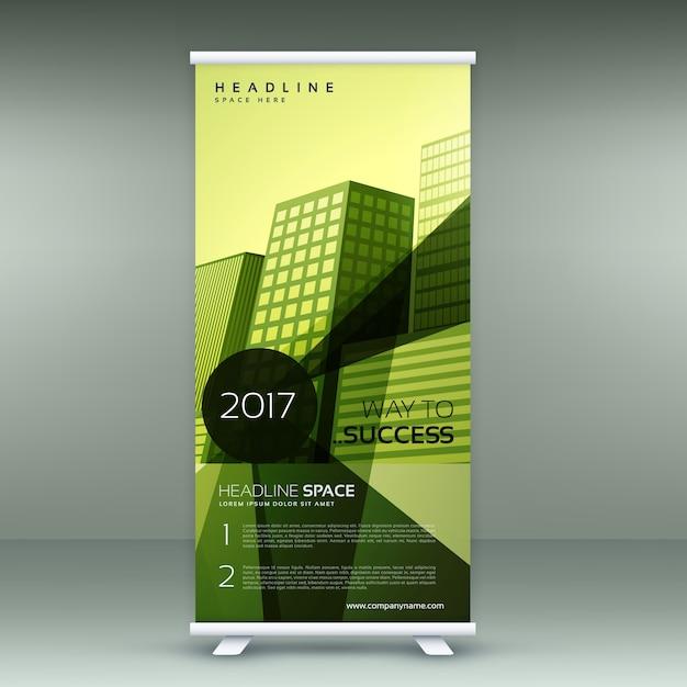 groen modern roll up banner standontwerp met transparante geometrische vormen Gratis Vector