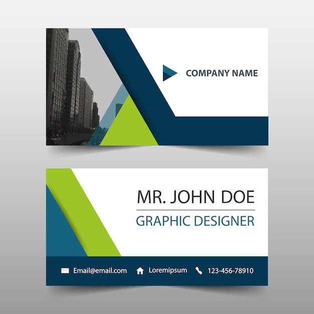 Groene driehoek corporate business card template Gratis Vector