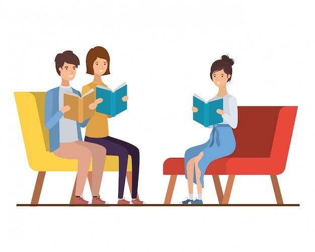 Groep die mensen op stoel met boek in handen zit Premium Vector