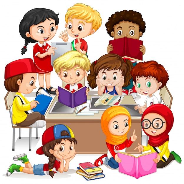 Groep internationale kinderen leren Gratis Vector