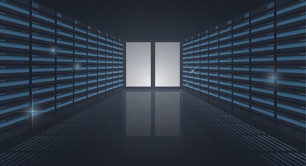 Groot datacenter lange gang van serverrekken ingang in