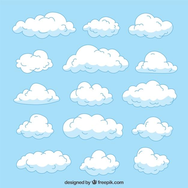 Grote collectie van de hand getekende wolken met verschillende maten Gratis Vector