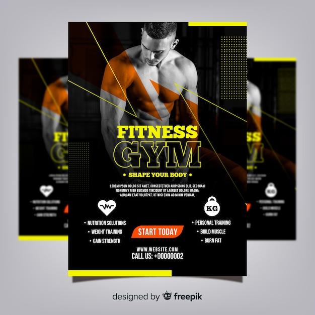 Gym club flyer sjabloon met foto Gratis Vector