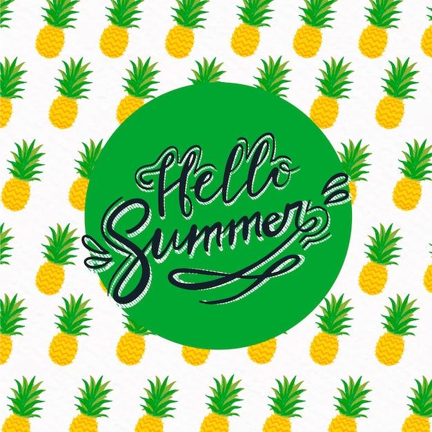 Hallo zomer belettering met ananas Gratis Vector