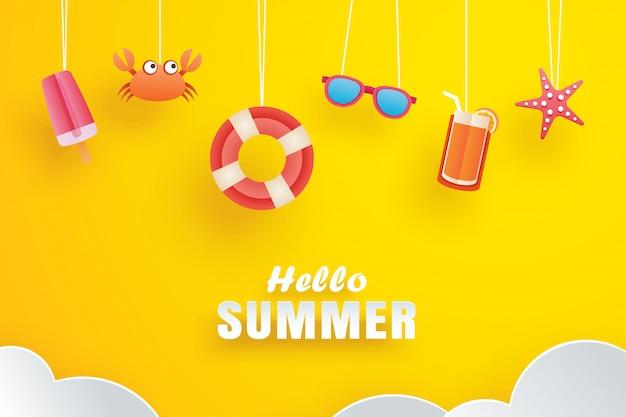 Hallo zomer met origami opknoping op geel Premium Vector