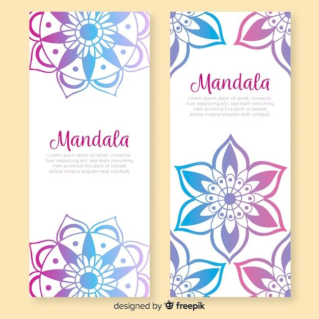 Hand getrokken decoratieve mandala banners Gratis Vector