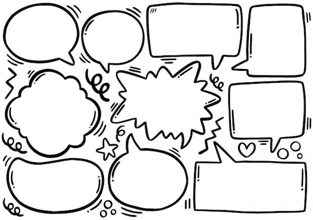 Hand getrokken set van schattige tekstballon in doodle stijl Premium Vector