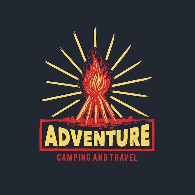 Handgetekende camp fire adventure-logo Premium Vector