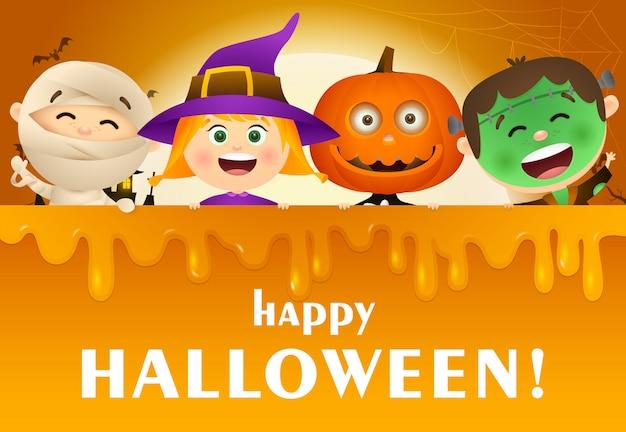 Happy halloween belettering met kinderen in monsters kostuums Gratis Vector
