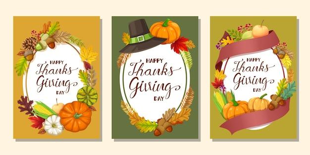 Happy thanksgiving day-kaart of flyer met pompoen, maïs, walnoten, bladeren en gedroogde dennenappels Gratis Vector