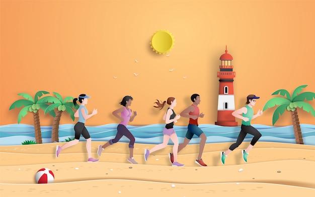 Hardloper rennen op het strand in het zomerseizoen. Premium Vector