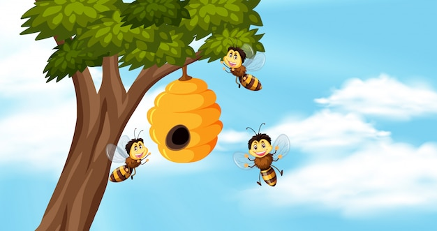 Hemelachtergrond met bijen en bijenkorf op boom Premium Vector